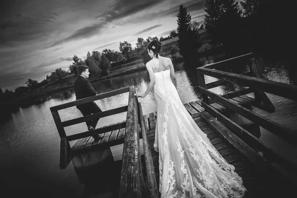 svatebni-fotograf-vysocina-1.png