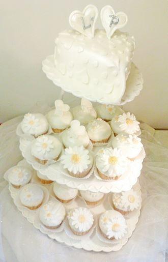 Svatební dort s cupcake