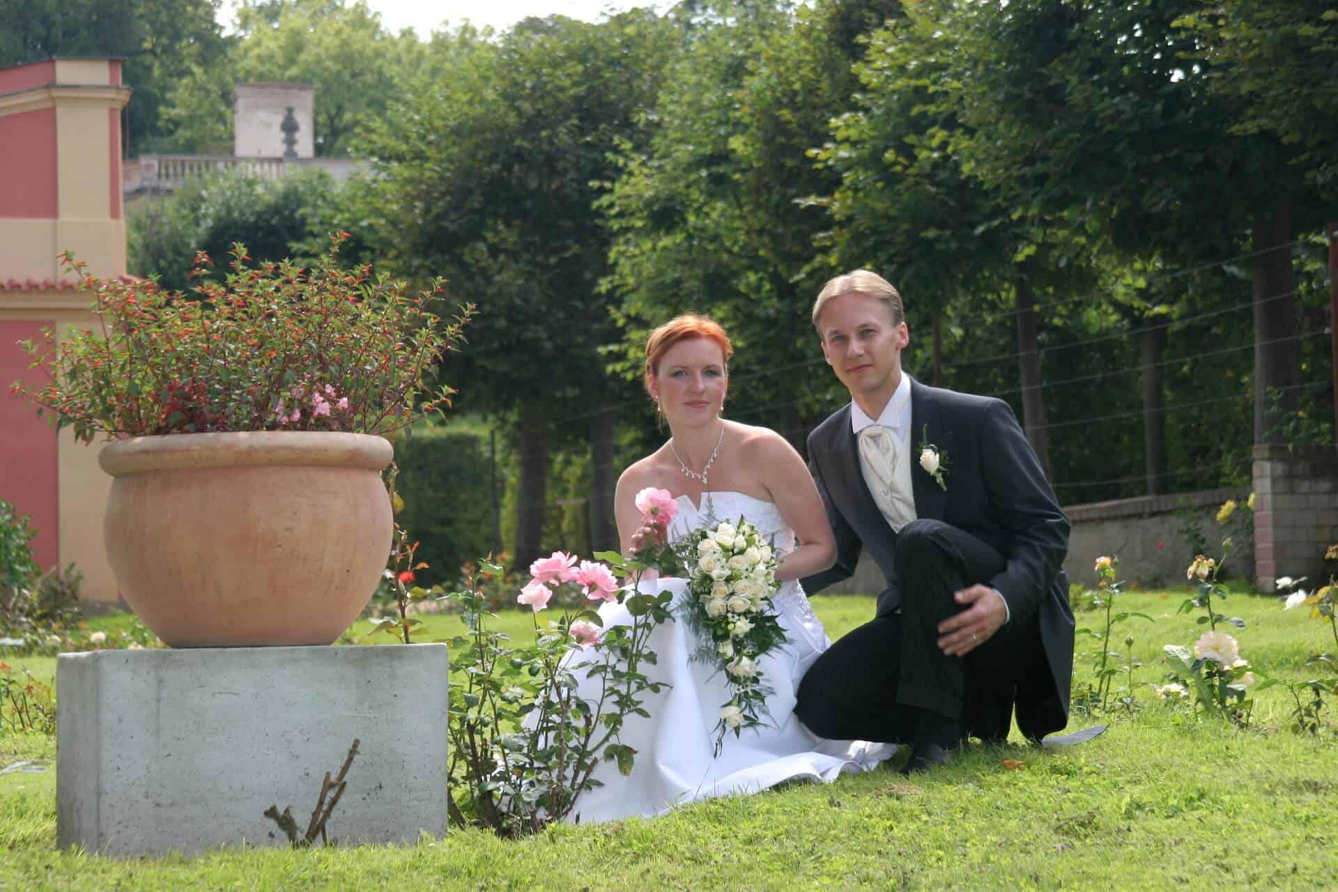 Svatba Havlíkovi - ve francouzském parku bylo krásně
