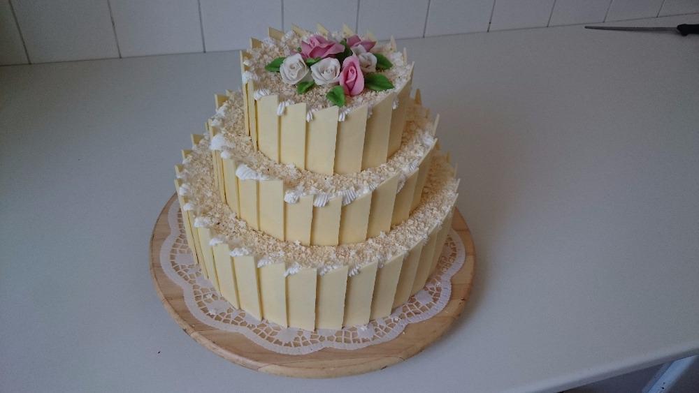 Svatební dort bílá čokoláda - Růžová cukrárna