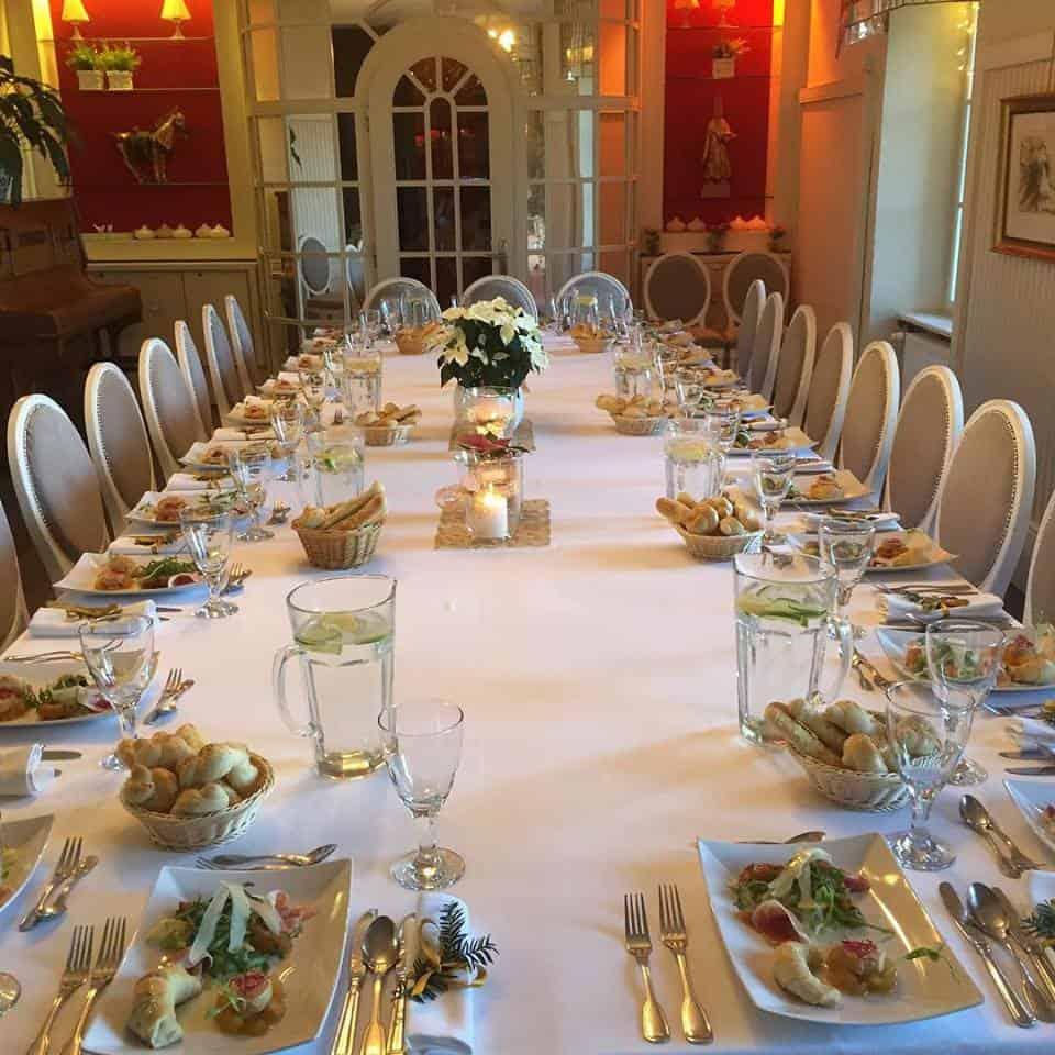 Nebozízek - Svatební hostina uvnitř