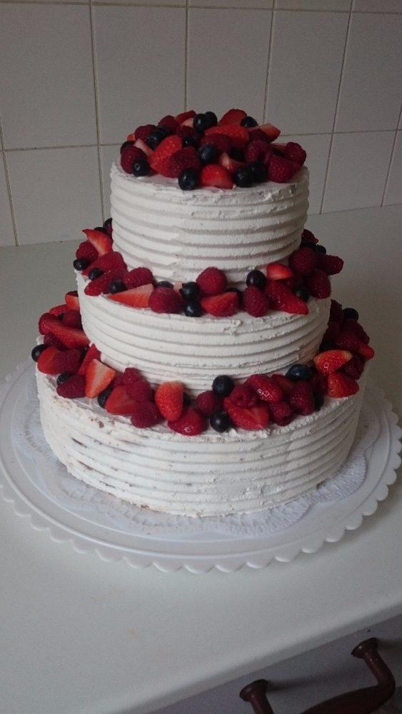 Svatební dort ovocný světlý - Růžová cukrárna