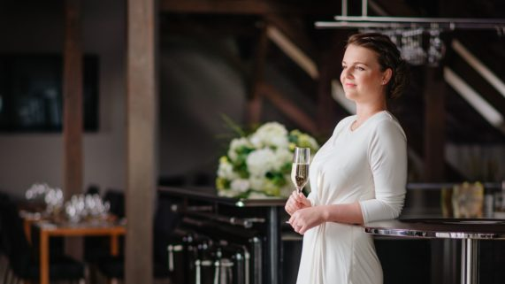 Sokolovna Průhonice - nevěsta