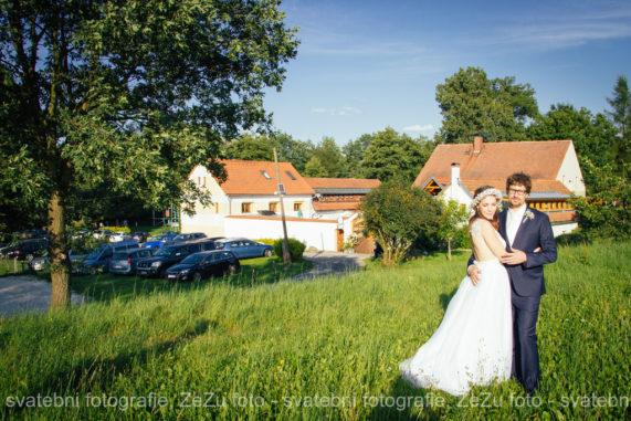 Strnadovský mlýn novomanželé