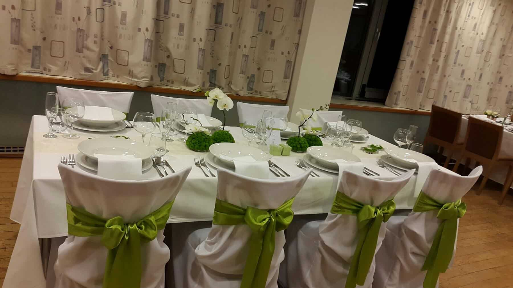 Svatební hostina zelená hotel Troja