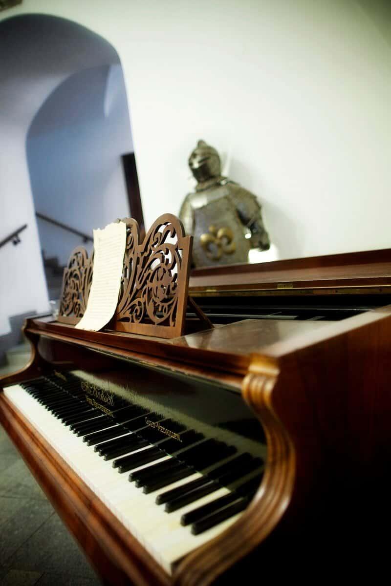 Zámek Třešť klavír