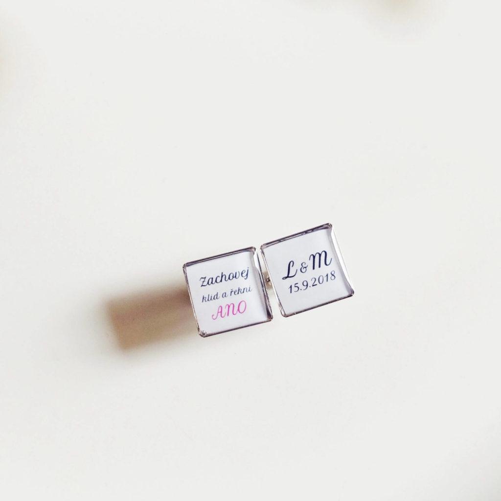 Dárek na přání - manžetové knoflíčky s monogramem a datem svatby