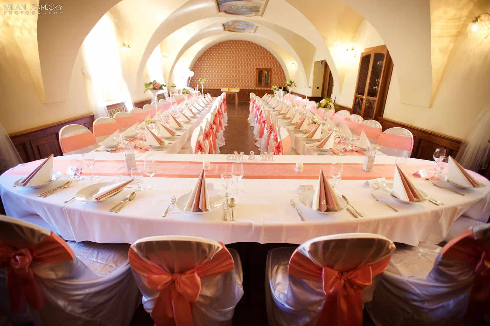 Hotel Octárna svatební tabule celkový pohled