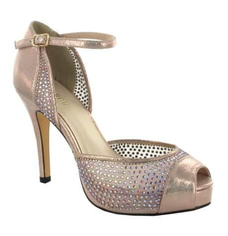 Nezapomeňte na krásnou a pohodlnou svatební obuv  f299124d24