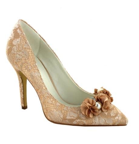 Luxusní svatební boty vám budou všechny ženy závidět. Dovolit si je mohou  ženy 49bc6d3e10