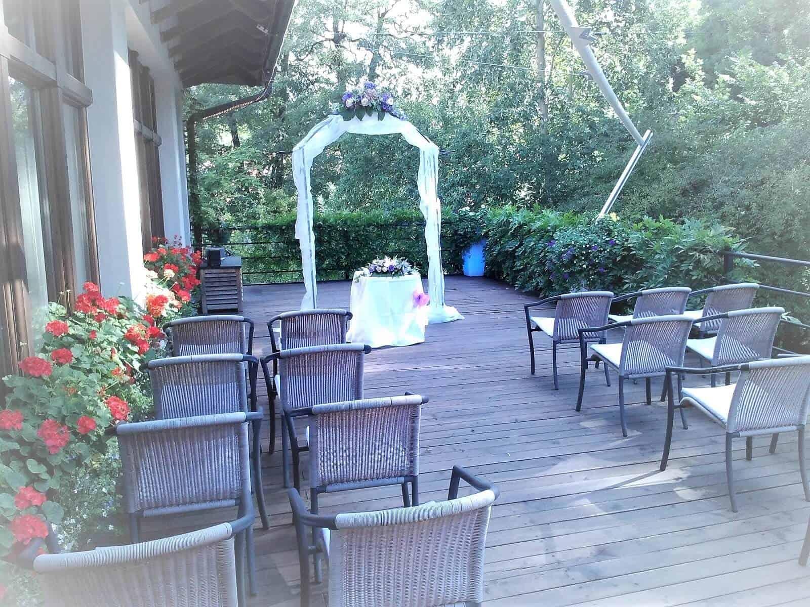 Svatební obřad na terase - Průhonice