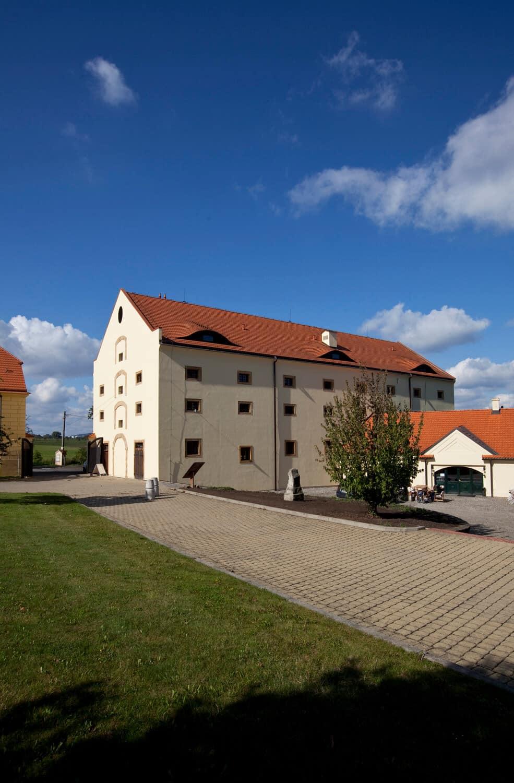 Zámecký hotel na zámku Ctěnice