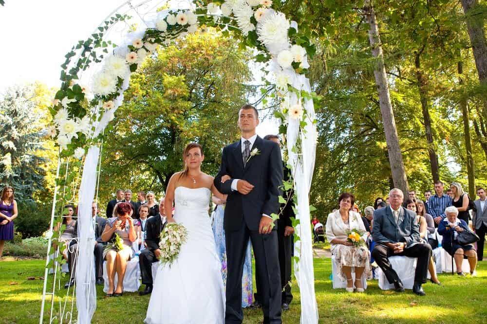 Svatební obřad - slavobrána - Zámek Lobeč