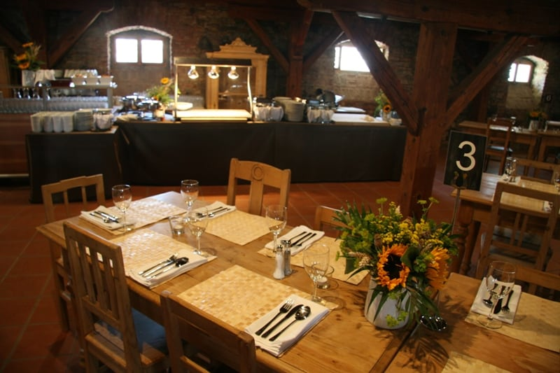 Svatební hostina v Yard Rerort