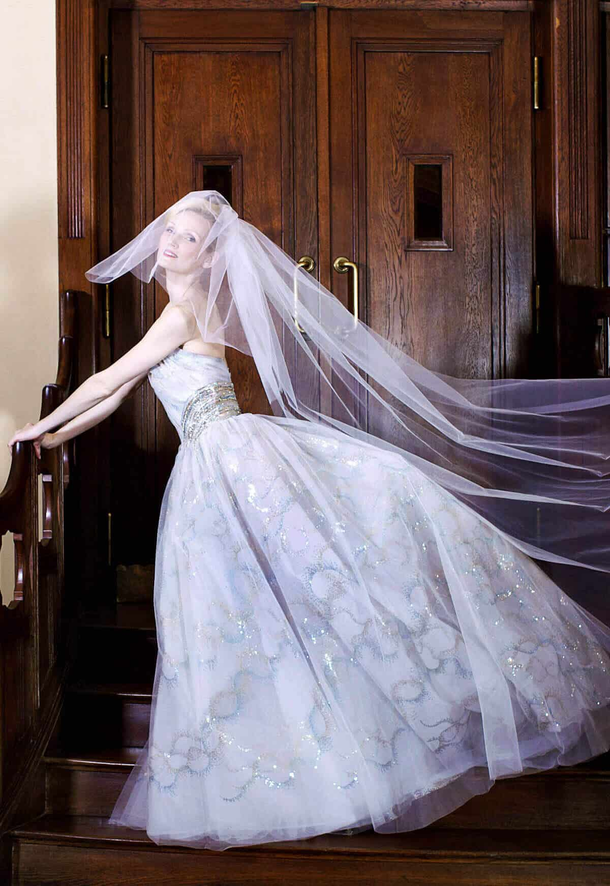 Svatební šaty1