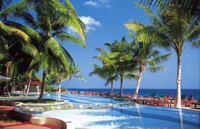 Cestovní agentura e-travel.cz bazén s palmami