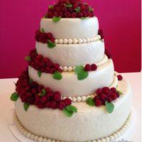Svatební dort maliny