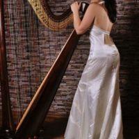 Harfistka Katarina Ševčíková nevěsta s harfou