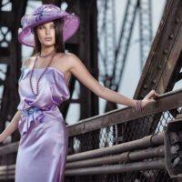 Jiřina Tauchmanová fialové šaty