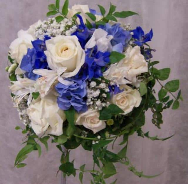 Květinové studio Bubeníčková kytice modrá