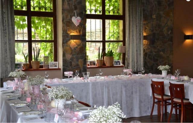 Restaurace V Holi svatební tabule