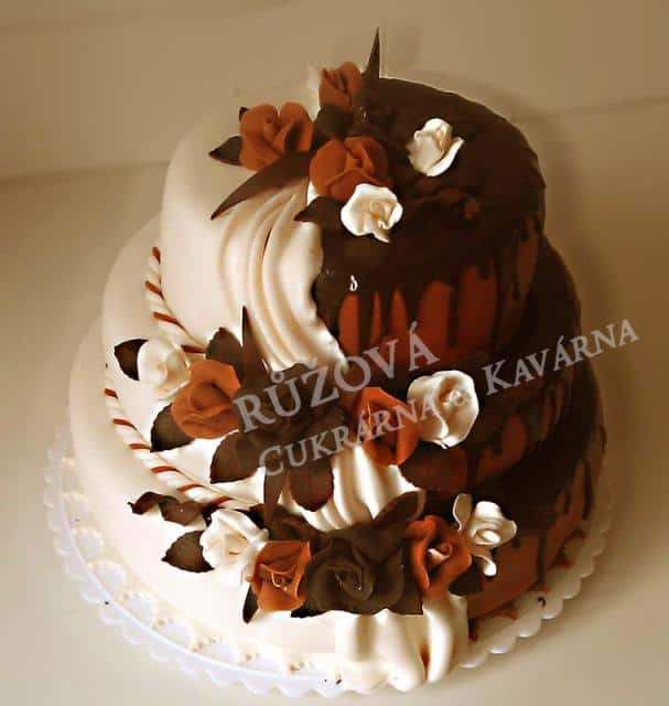Růžová Cukrárna & Kavárna dort bílá čokoláda