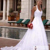 Salon Adelle krajkové šaty