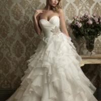 Salon Bliss šaty se sukní s volány