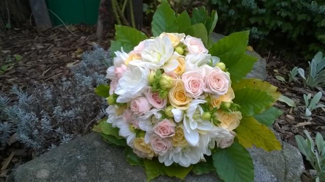 Svatební kytice z kopretinové oranžová kytice