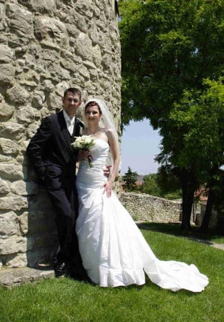 Svatební agentura Ivana snoubenci u hradní zdi