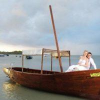 Svatební cesta Modrý Mauricius snoubenci na bárce
