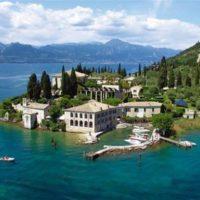 Svatební cesta v Itálii poloostrov s přístavem