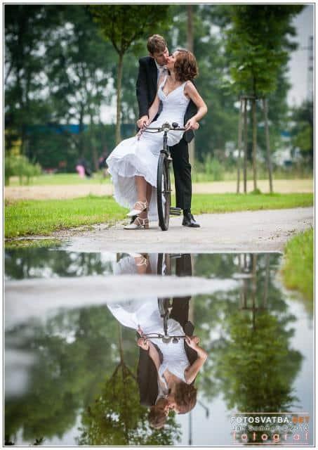 Svatební foto Jan Sommer soubenci na kole