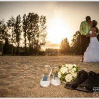 Svatební foto Jan Sommer soubenci při polibku v západu slunce