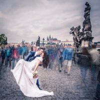 Svatební foto Wedding Dream polibek na Karlově mostě