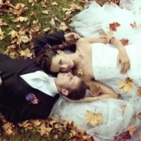 Svatební foto a video Kurt Neubauer snoubenci v listí