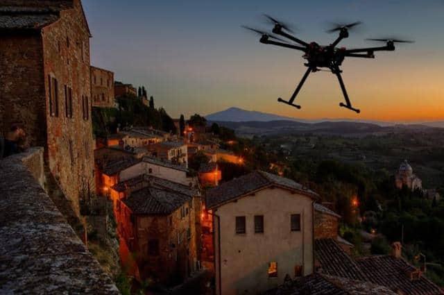 Svatební video Dron půjčovna létací stroj nad vesnicí