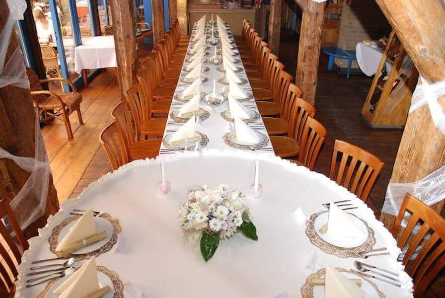 Hliněná bašta Průhonice svatební tabule