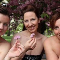 musica di praga tri dámy s květinkou