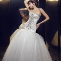 studio Avalon svatební šaty se zdobením