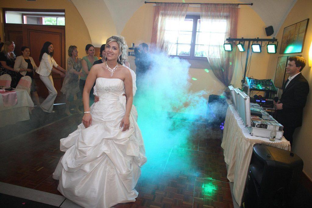 Svatební oslava