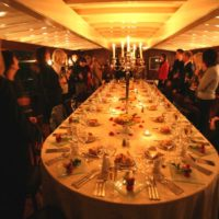 Svatební hostina na lodi Nepomuk