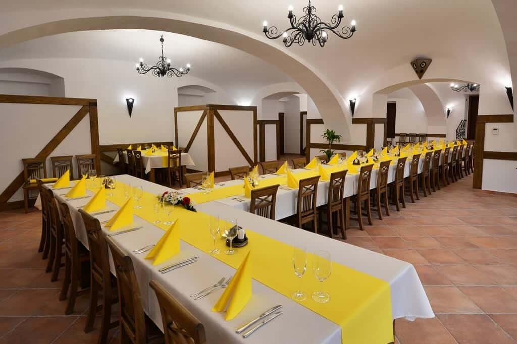 Hotel Malý Pivovar - svatební hostina