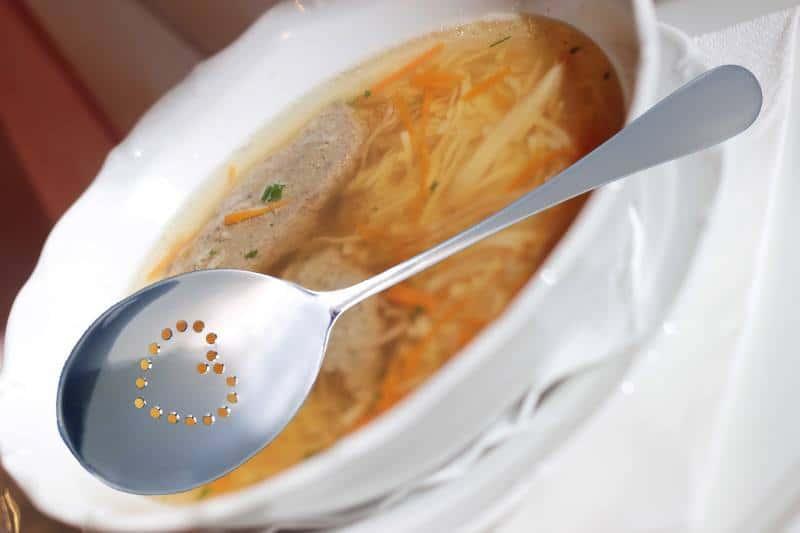 Svatební děravá lžíce na polévku