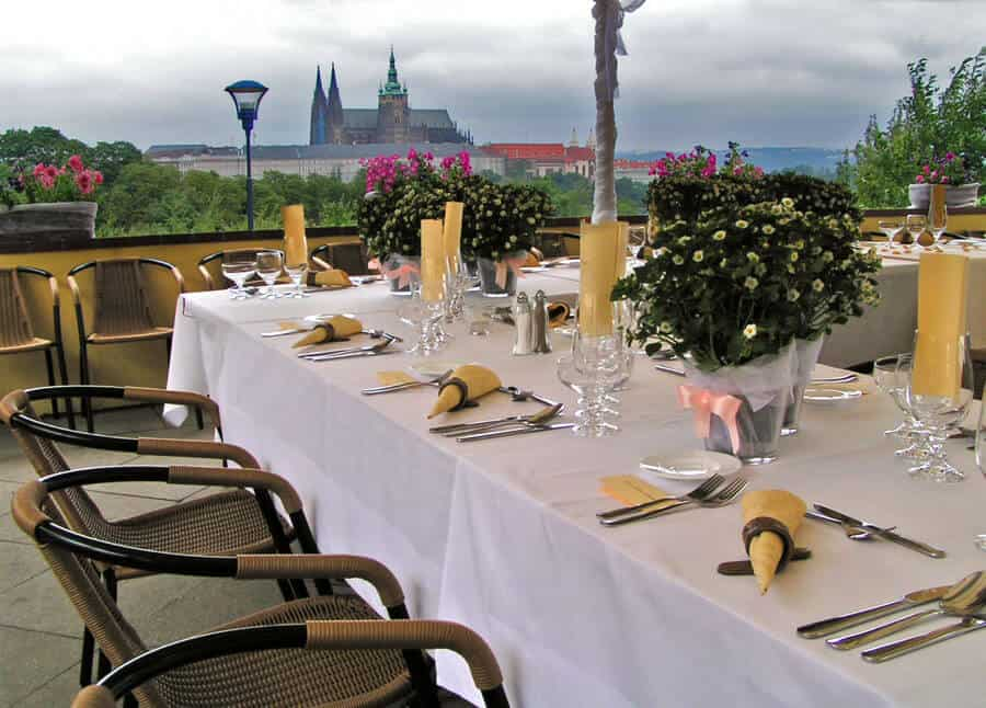 Petřínské terasy - svatební tabule s výhledem