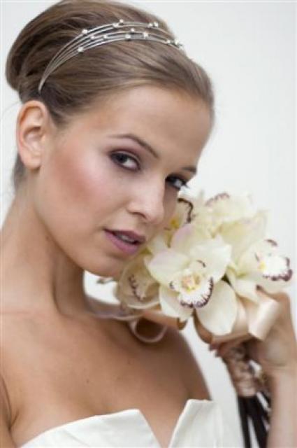 Svatební líčení a účes ze studia ProBeauty 2