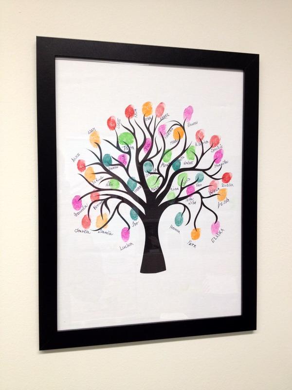 Svatební strom s otisky hostů