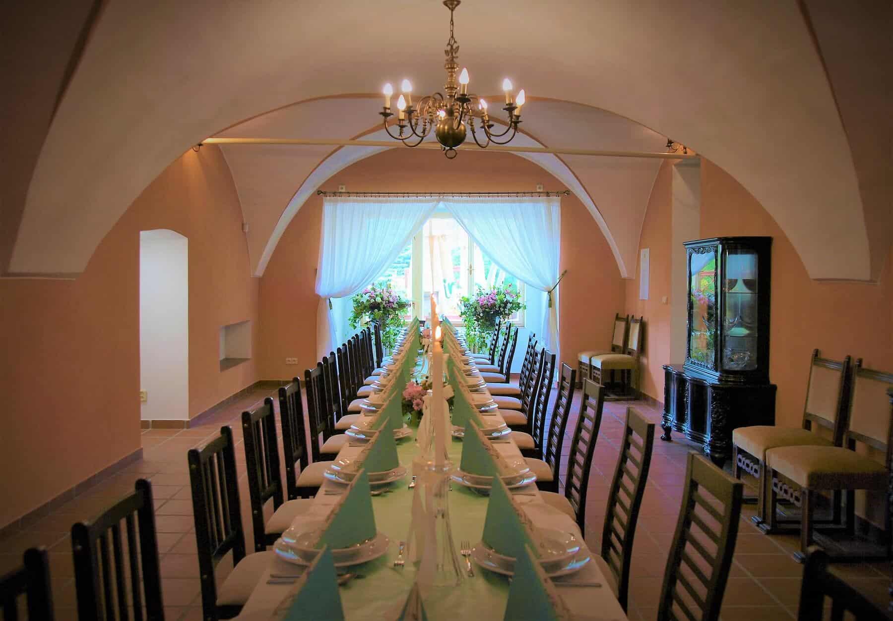 Zámek Světlá nad sázavou - svatební hostina