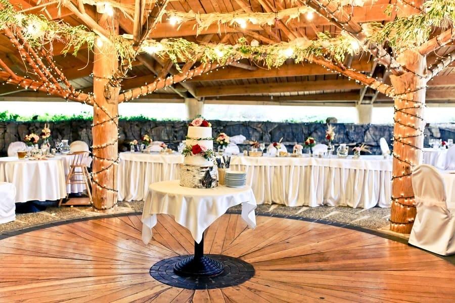 Kořenec - svatební dort