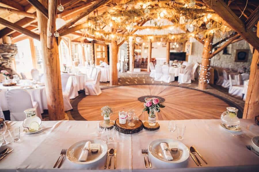 Kořenec - svatební hostina